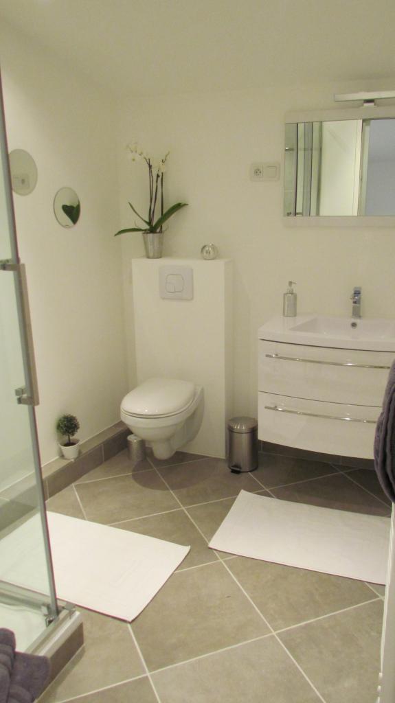 Salle de bain Frise salle de bain autocollante